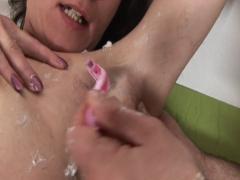Frau beim ficken rasiert