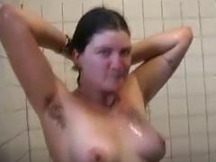 Haarige Lesben unter der Dusche